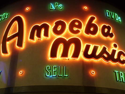 Main image for article titled 100 Cheap Date Ideas in Los Angeles: Entertainment and Nightlife