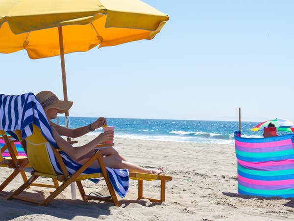 Perry's Cafe & Beach Rentals