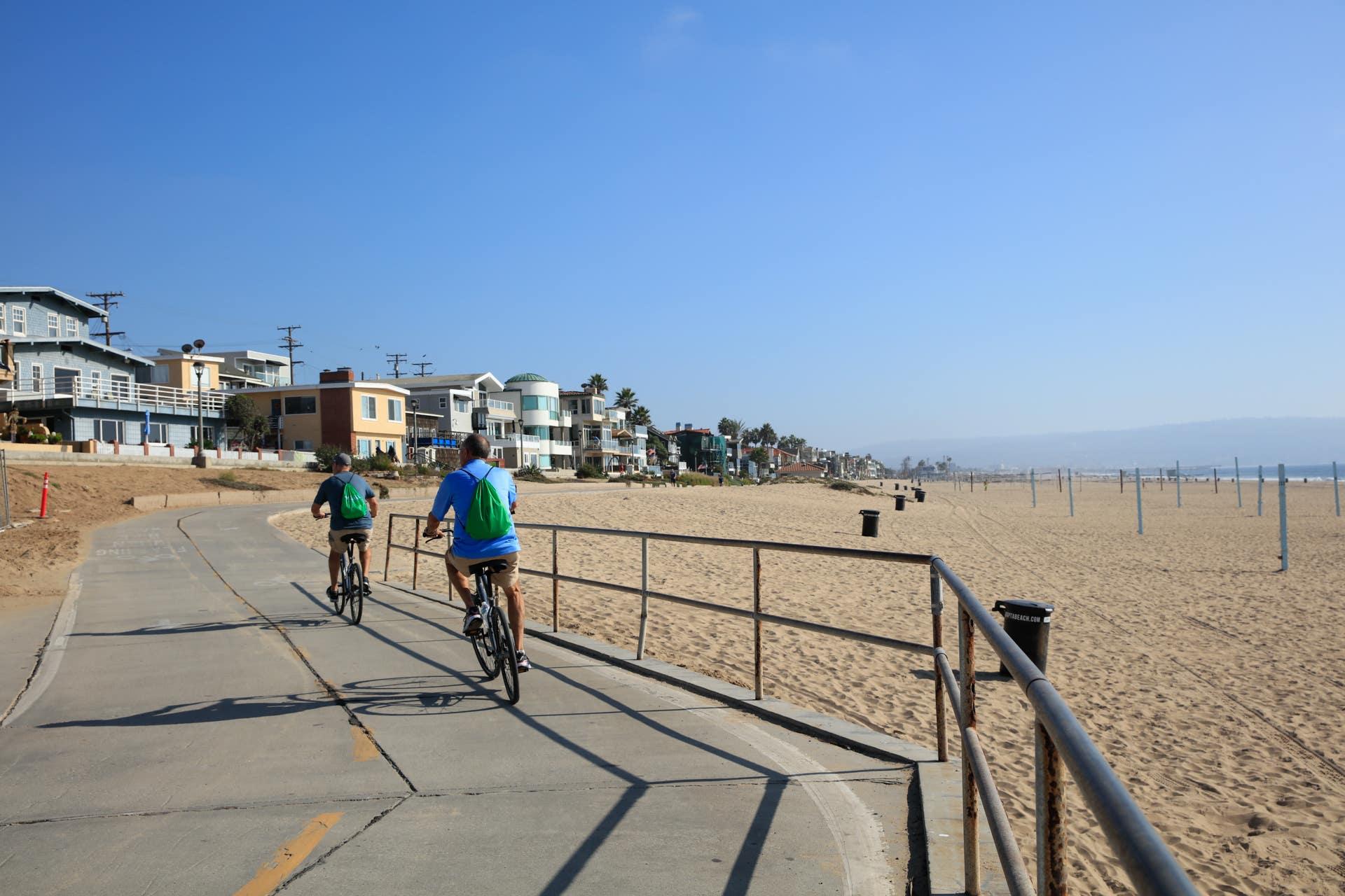 Biking The Strand in Manhattan Beach