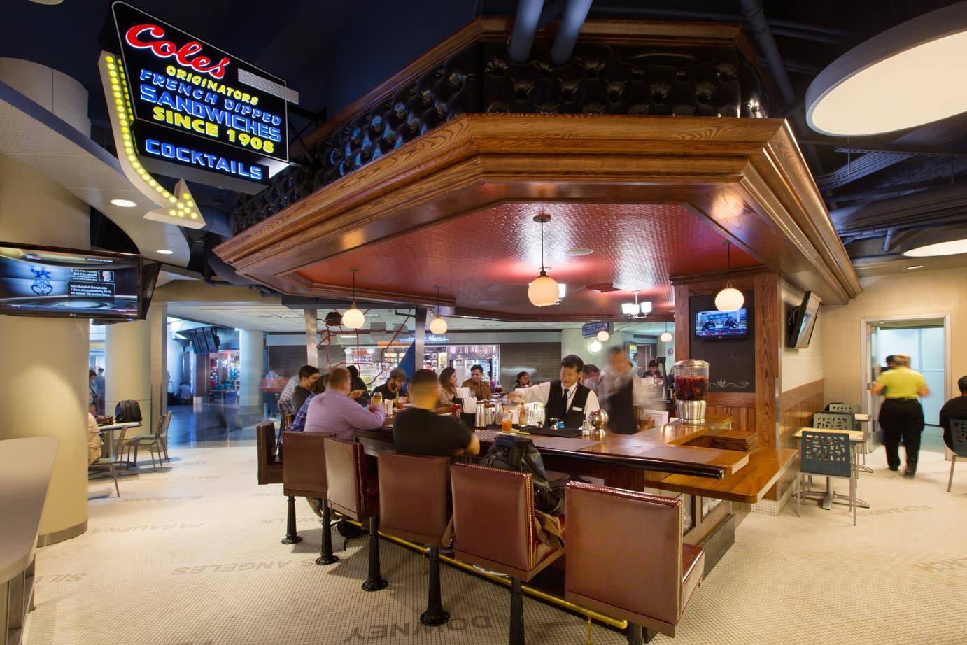 Cole's French Dip at LAX Terminal 4