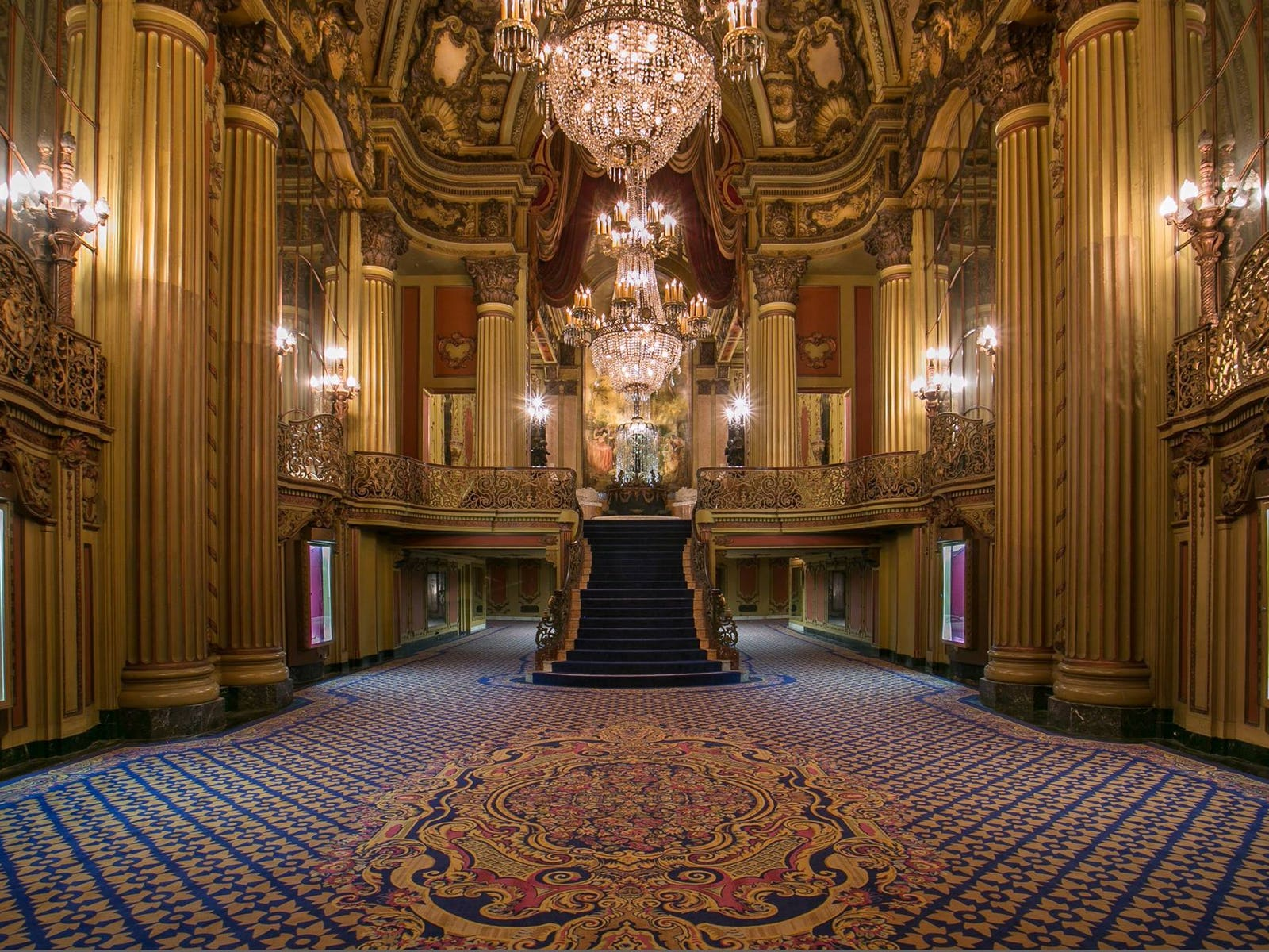 Lobby of the Los Angeles Theatre in DTLA