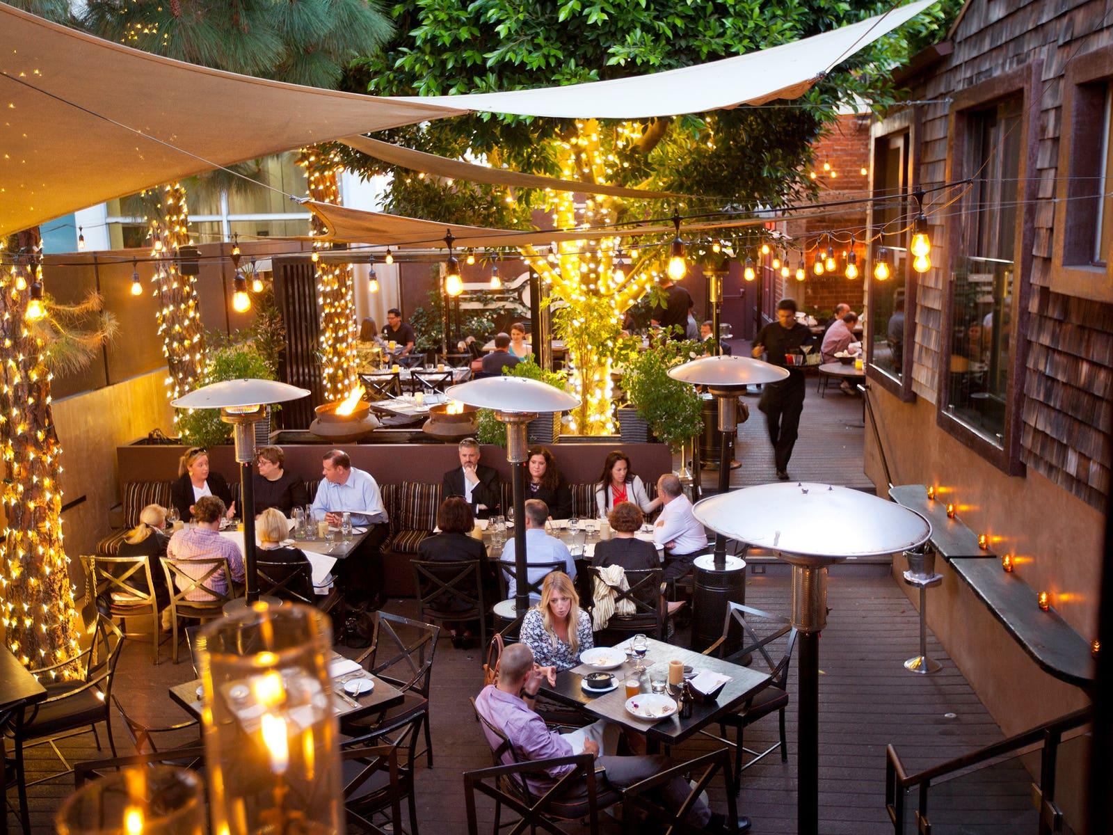 Wilshire Restaurant Santa Monica Patio