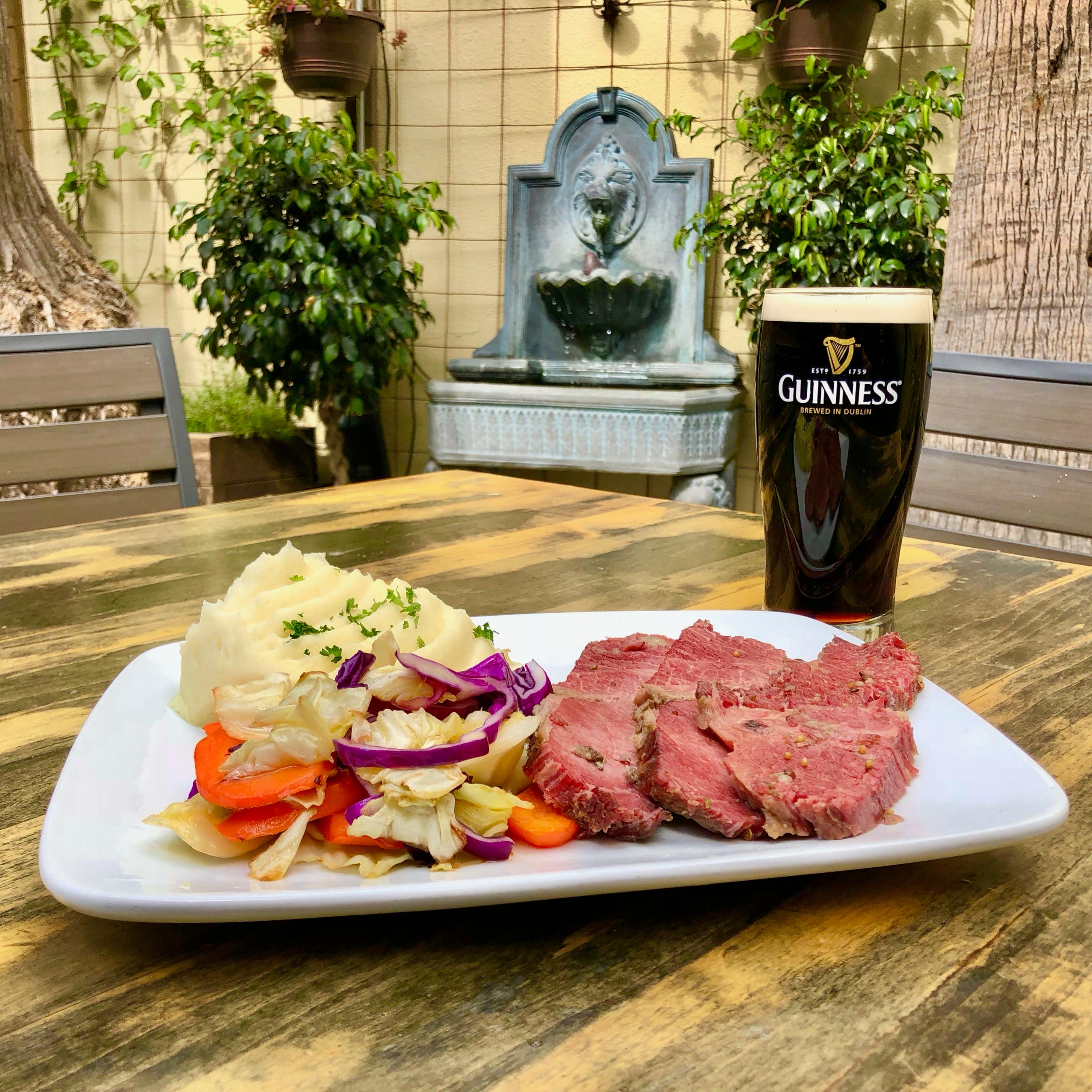 The Cat & Fiddle Guinness and Corned Beef & Cabbage