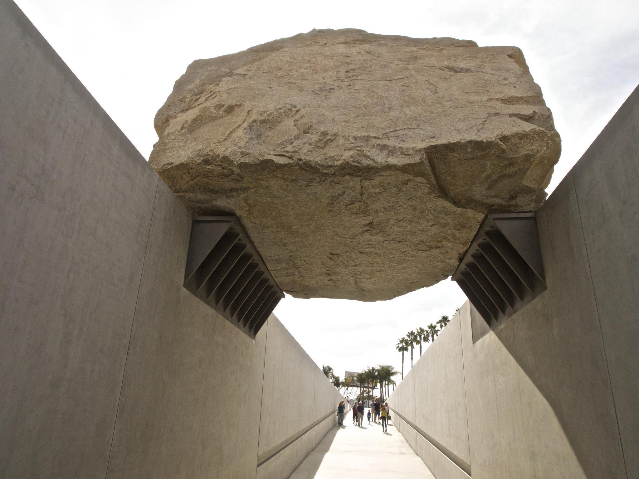 """Levitated Mass"" at LACMA"