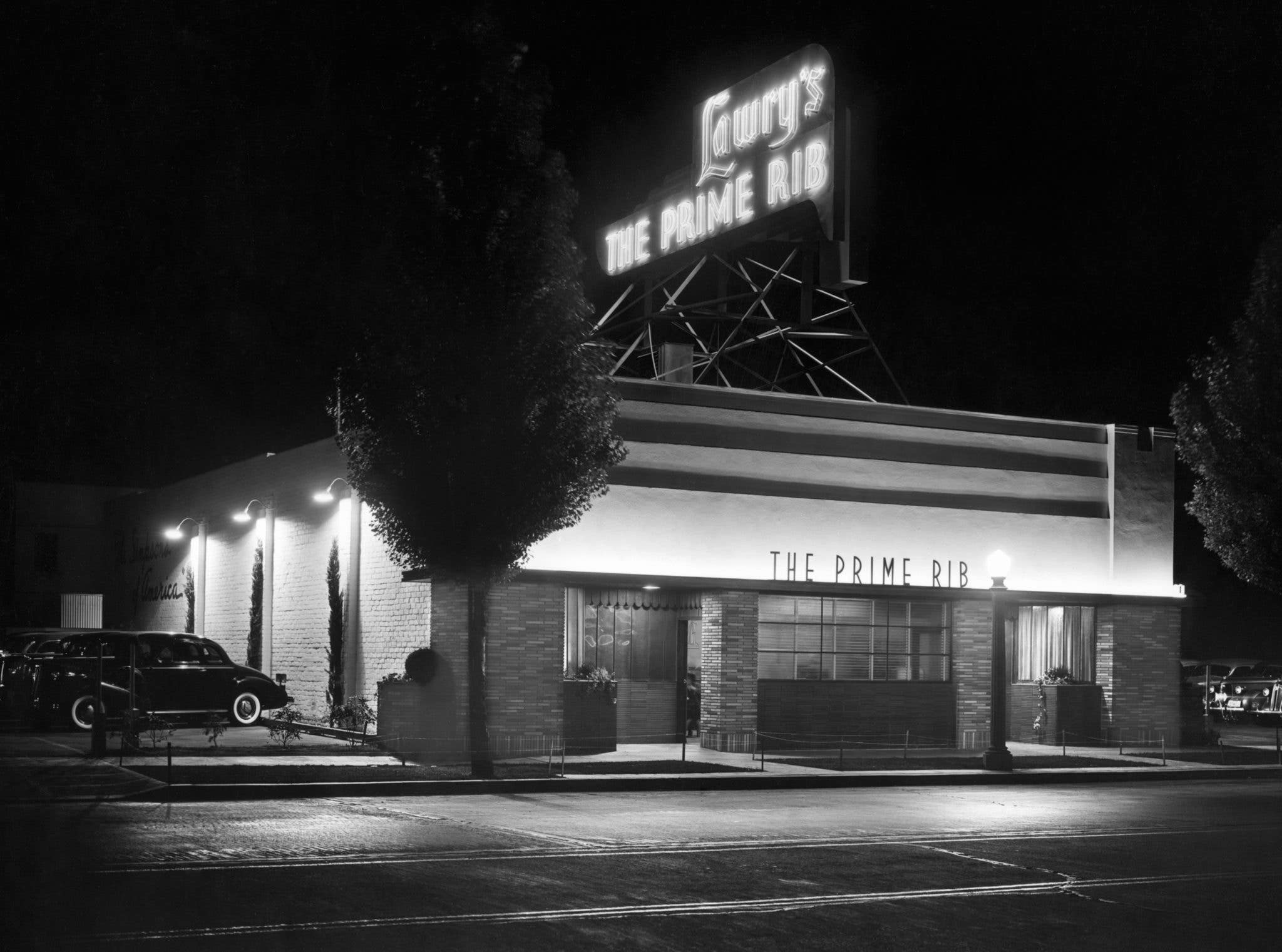 Lawry's The Prime Rib at its original Beverly Hills location in 1938