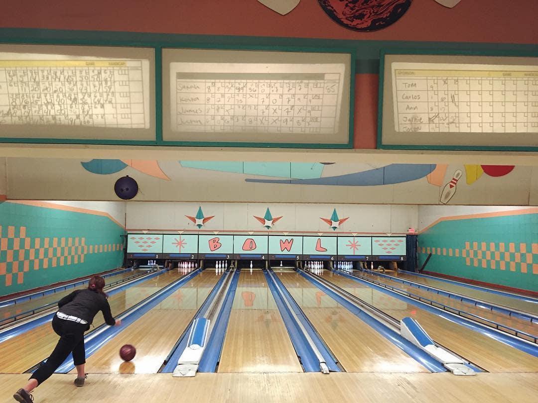 Bowling at Montrose Bowl