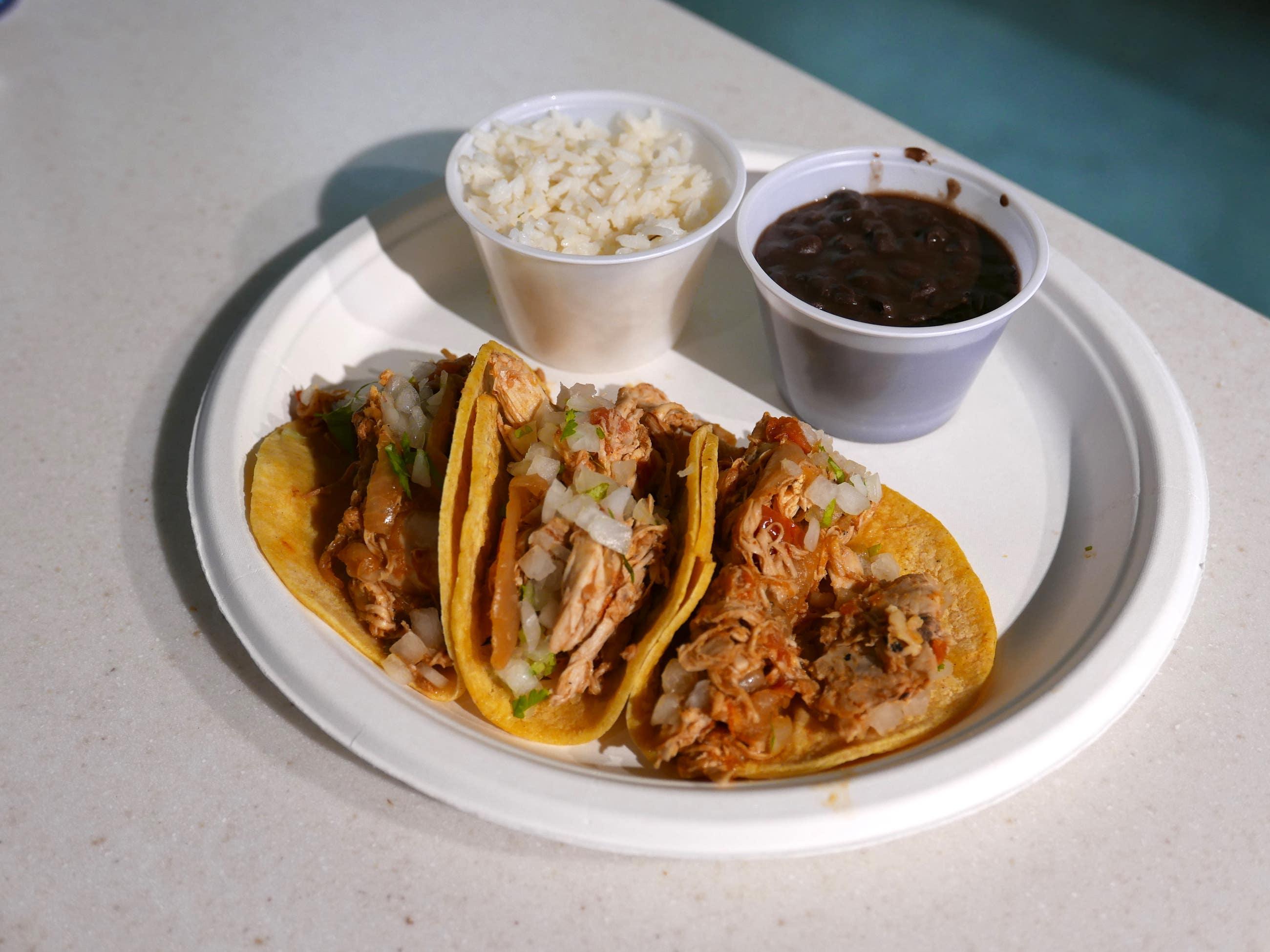 Chicken tinga three-taco platter at Loteria Grill LAX Terminal 7   Photo: Joshua Lurie