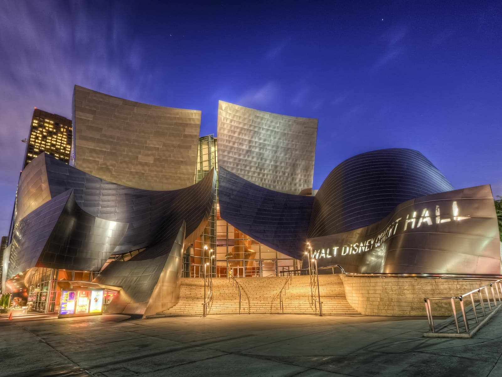 Walt Disney Concert Hall Exterior - los angeles meeting space