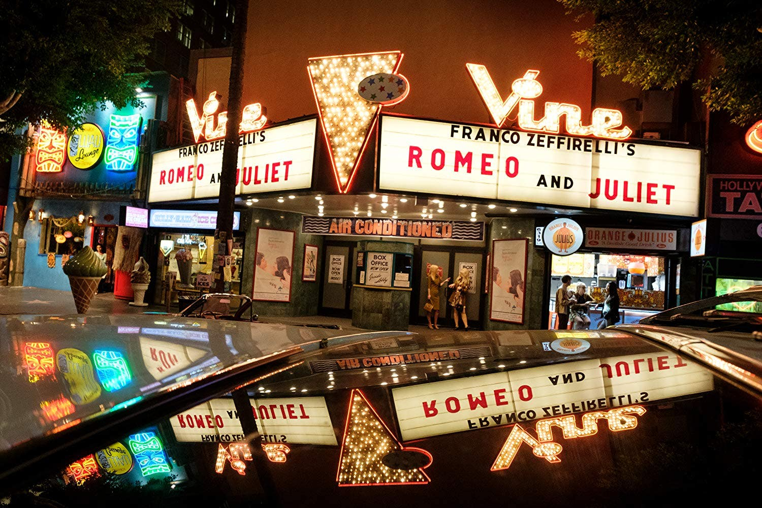 The Vine Theatre in Once Upon a Time in Hollywood