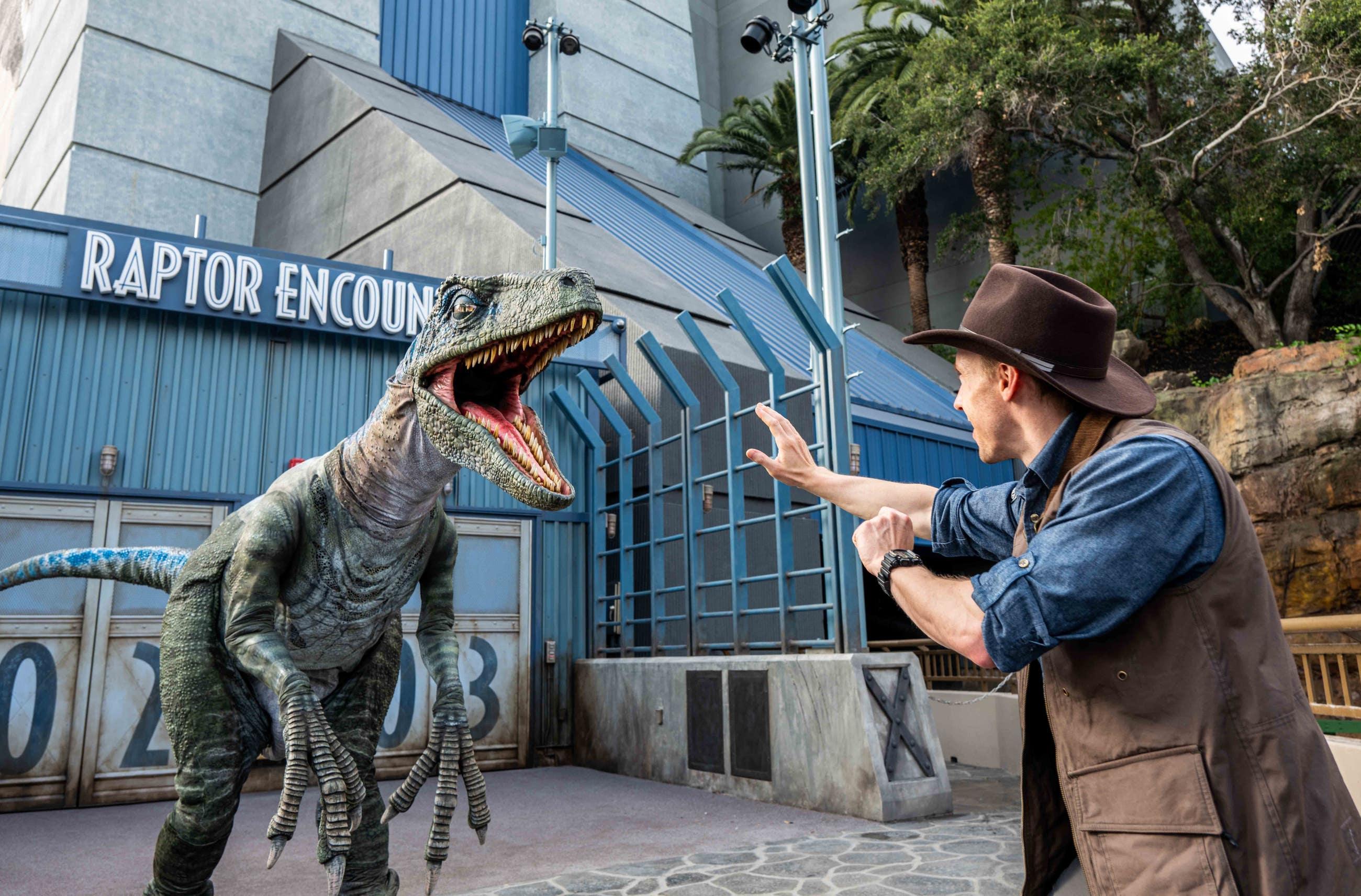 Raptor Encounter at Jurassic World - The Ride | Photo: Universal Studios Hollywood