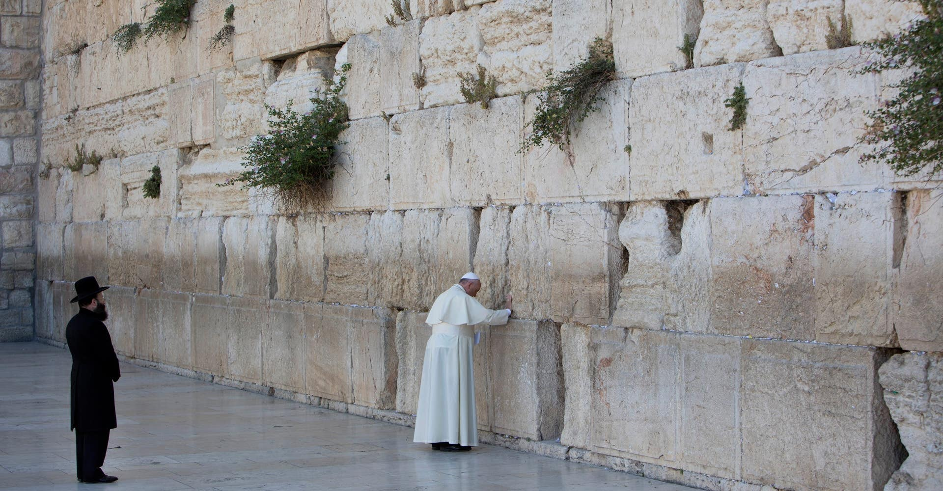 Annenberg Space for Photography Pope Francis at the Western Wall