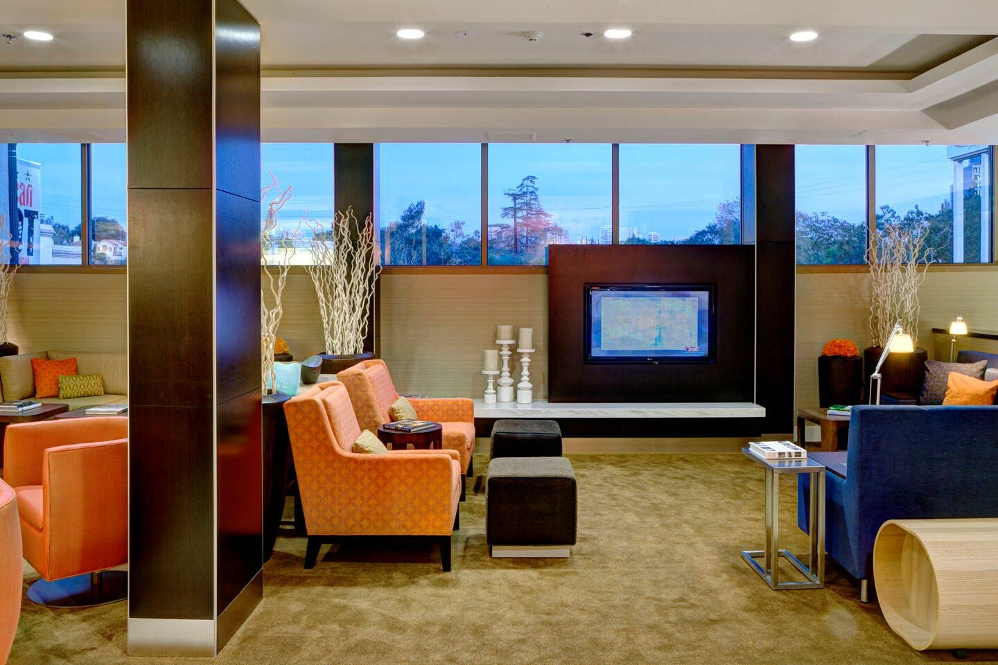 Lobby Home Theatre at the Courtyard by Marriott Century City/Beverly Hills