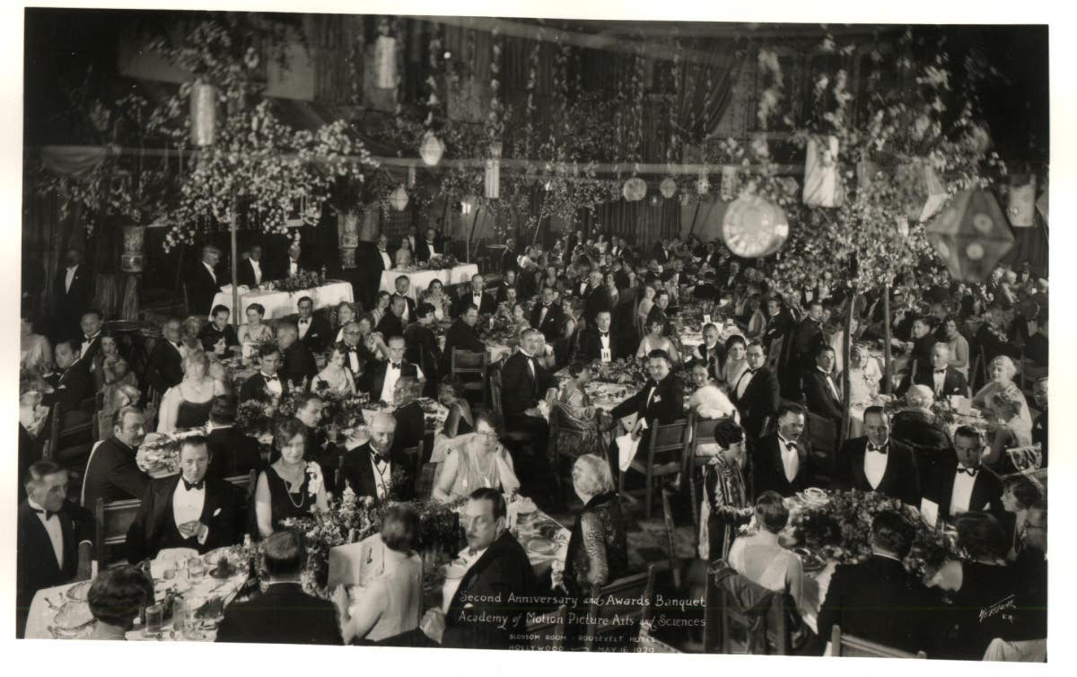 The first Academy Awards ceremony at theHollywood Roosevelt Hotel in 1929