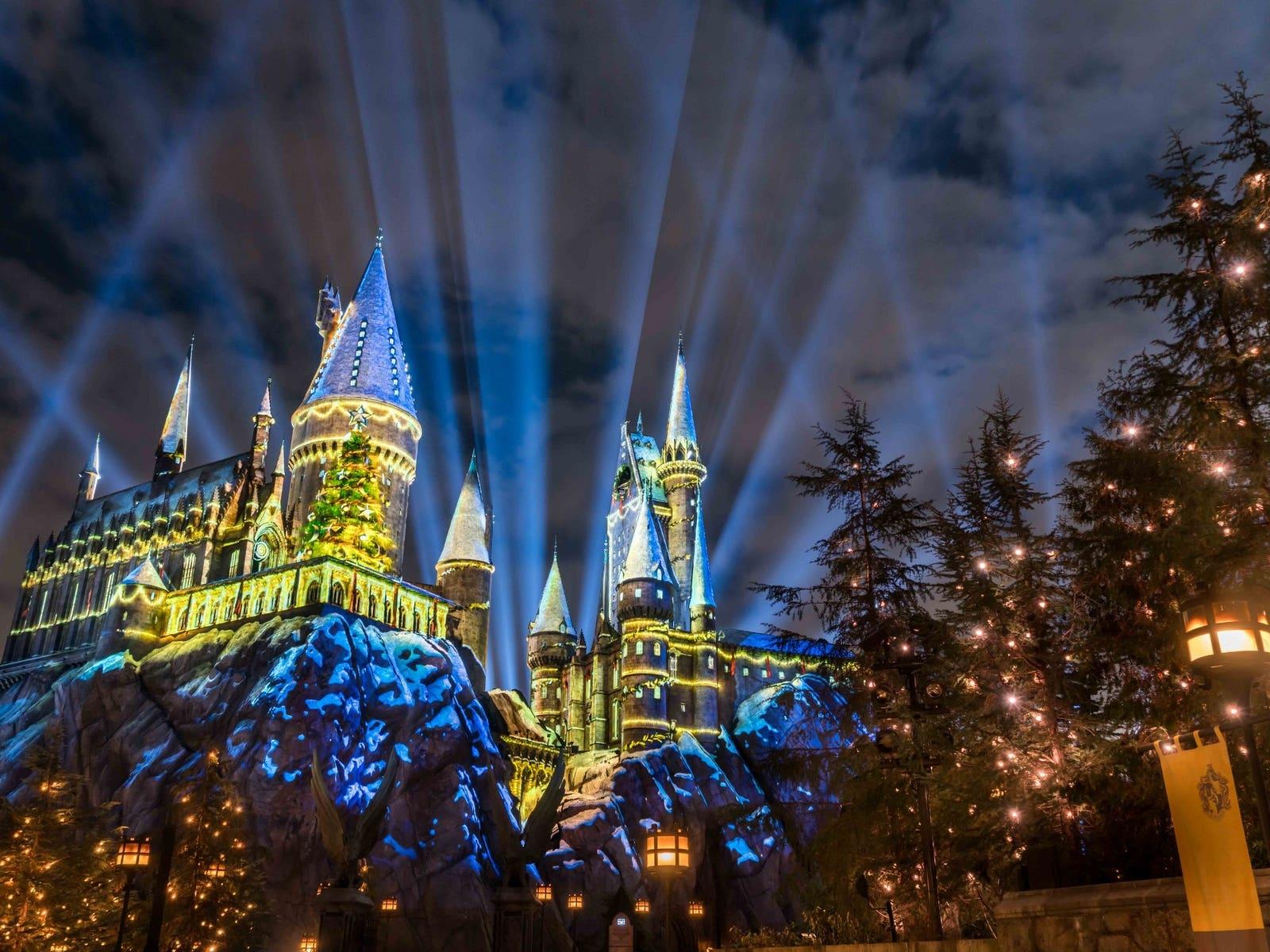 Universal Studios Hollywood The Magic of Christmas at Hogwarts Castle