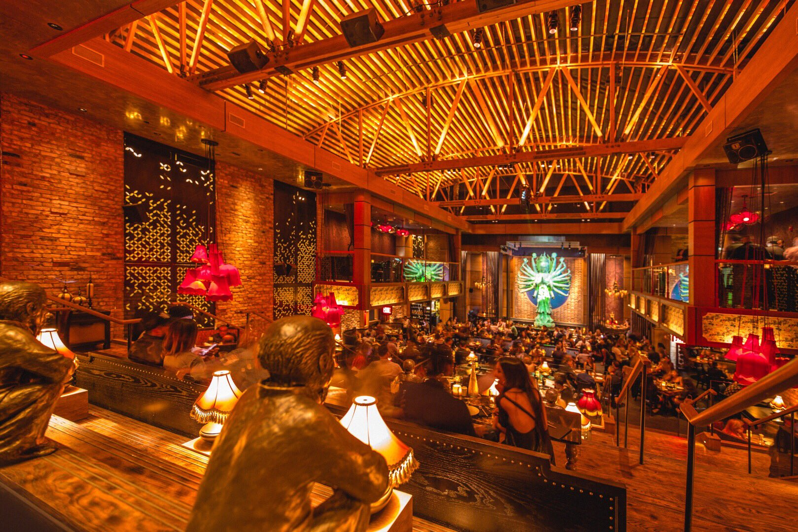 Celebrate New Year's Eve at LA Hotel Parties & Fancy ...