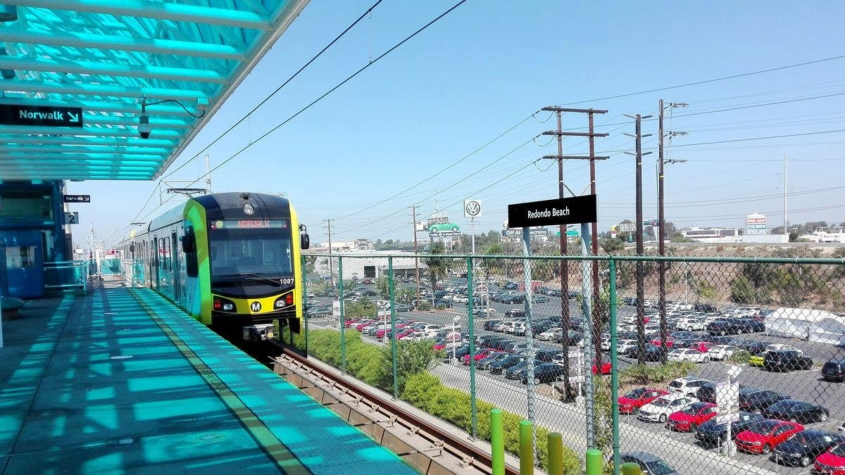 Train approaching Metro C Line (Green) Redondo Beach Station