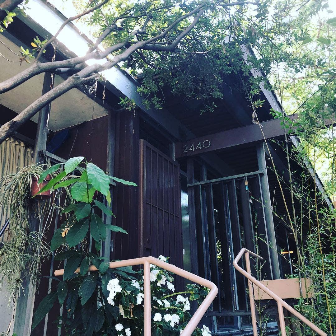 Neutra Reunion House Exterior