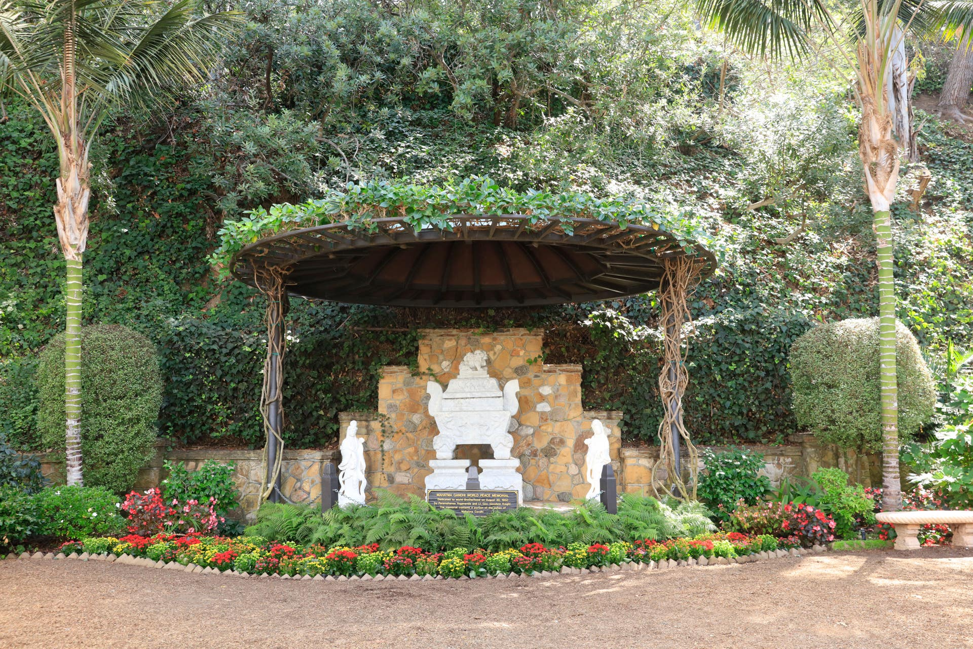 Gandhi's Ashes The Self Realization Lake Shrine 2019