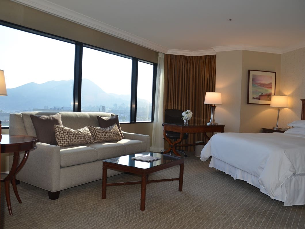 Main image for article titled Hotel Hilton Los Angeles / Universal City