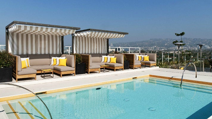 Top 10 los angeles bars with a view discover los angeles for Rooftop pool design
