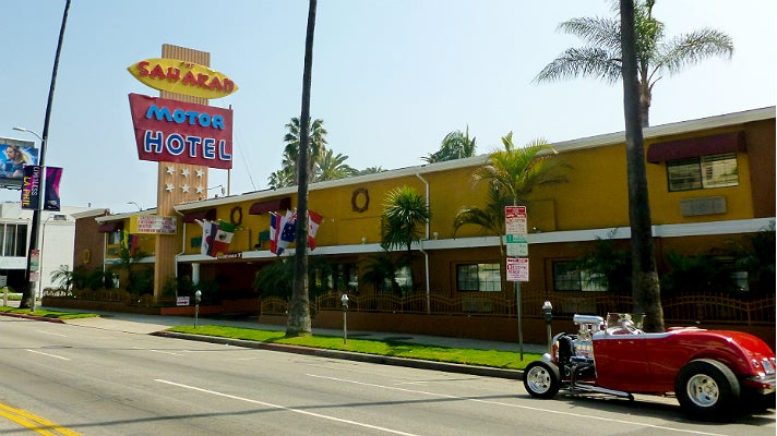 Go on location los angeles hotels featured in film and for Motor hotel los angeles