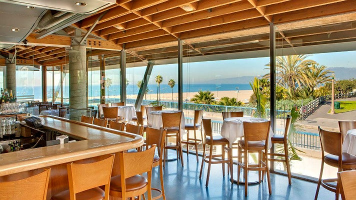 The best restaurants with a view in los angeles discover for Fish restaurant santa monica