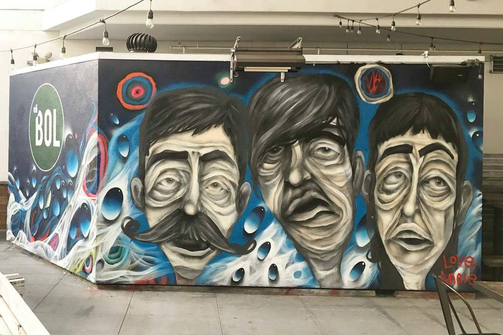 Face mural by Annie Preece at ediBOL | Instagram by @anniepreece