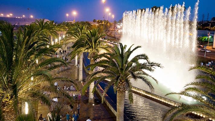 Fanfare Fountains at Gateway Plaza | Photo courtesy of LA Waterfront
