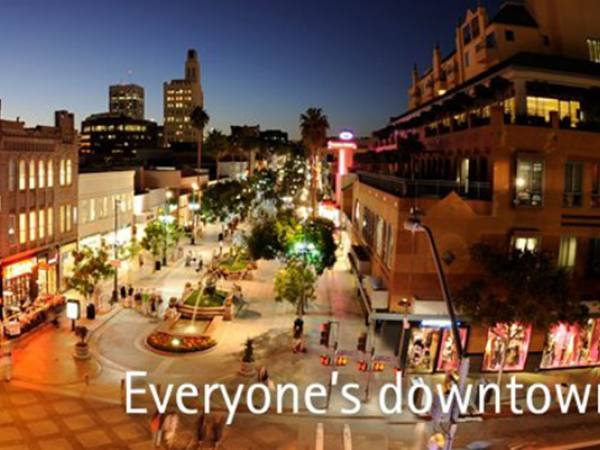 Main image for article titled De Compras en Los Ángeles: Third Street Promenade