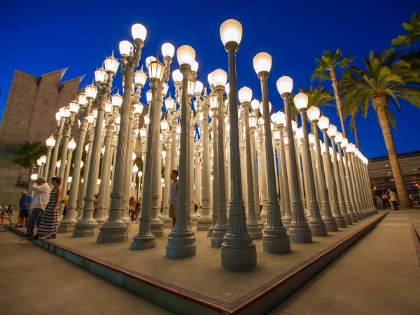 "Chris Burden ""Urban Light""(2008)  at LACMA   |  Photo:  Discover Los Angeles"