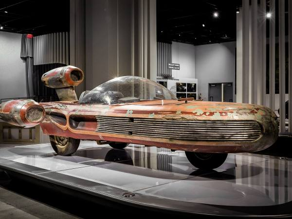 Star Wars Landspeeder on loan from the Lucas Museum of Narrative Art | Photo: Petersen Automotive Museum, Facebook