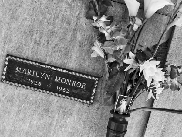 Marilyn Monroe's crypt at Pierce Brothers Westwood Village Memorial Park & Mortuary