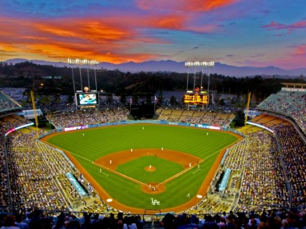 Main image for article titled Los 10 Momentos Más Grandiosos en la Historia del Dodger Stadium