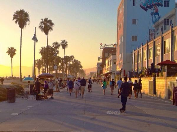 Main image for article titled Los Angeles Para Toda a Família / Cidades de Praia