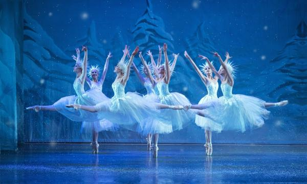 Main image for event titled Los Angeles Ballet Presents The Nutcracker