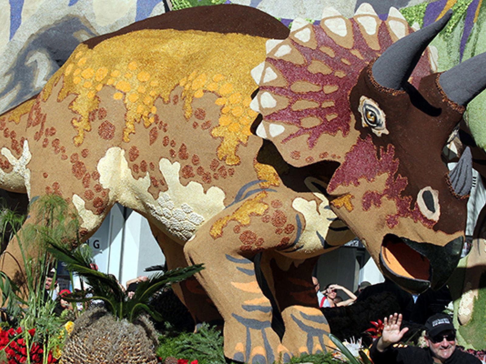 Help Decorate La Tourism S Rose Parade Float Discover Los Angeles