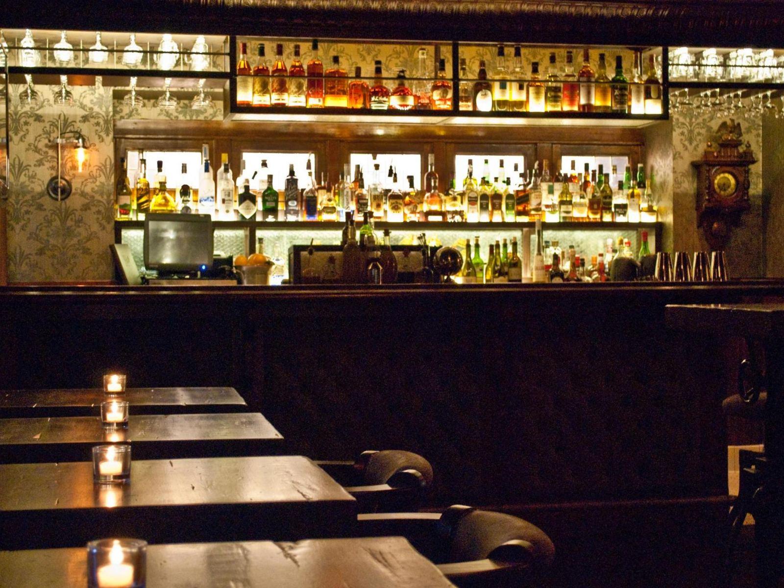 1886 Bar at The Raymond