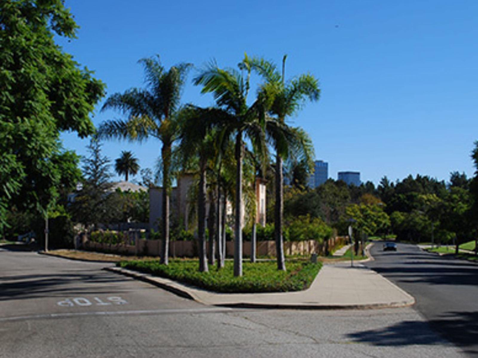 Beverly Hills Bermuda Triangle