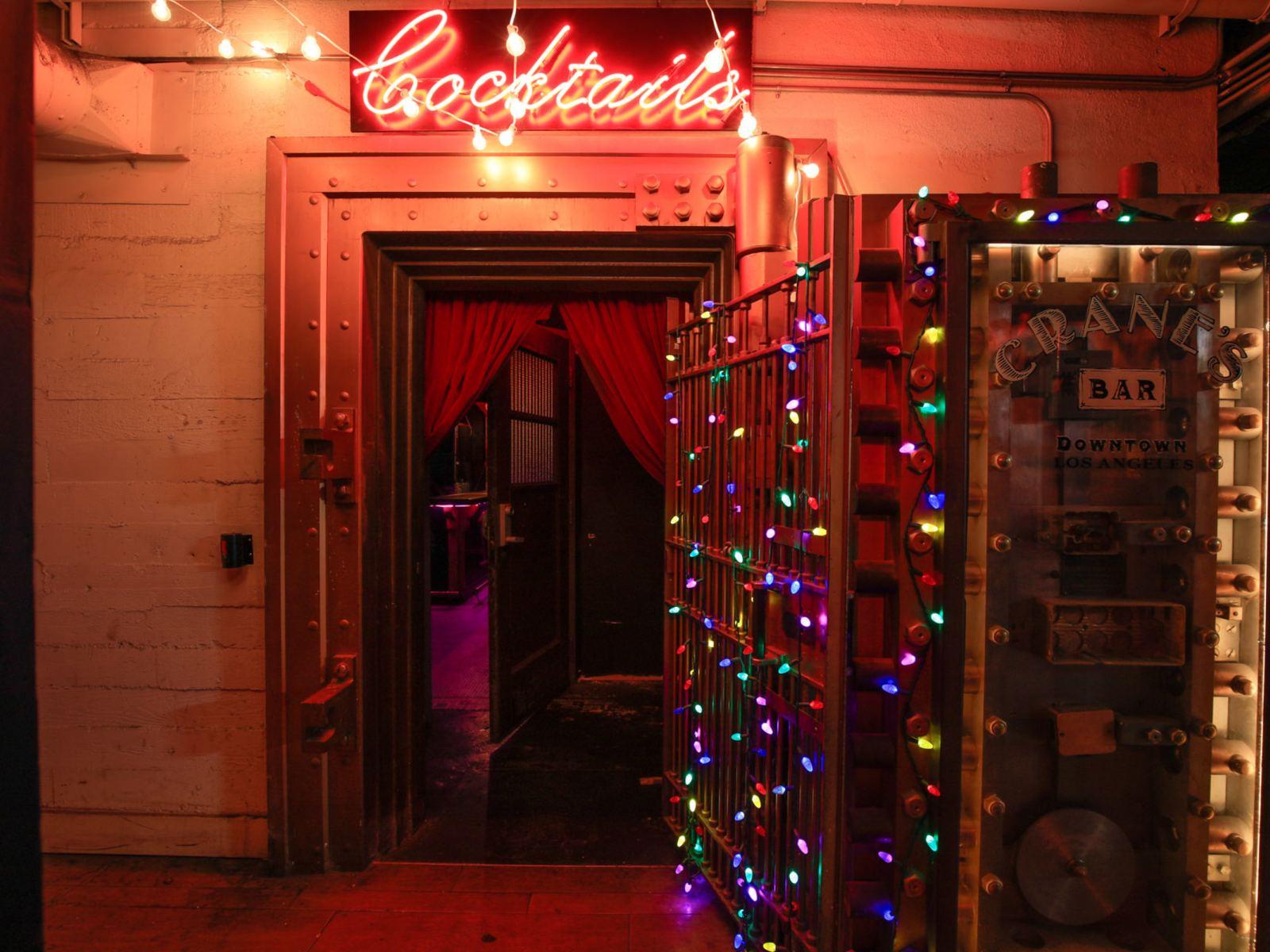 Crane's Bar Downtown