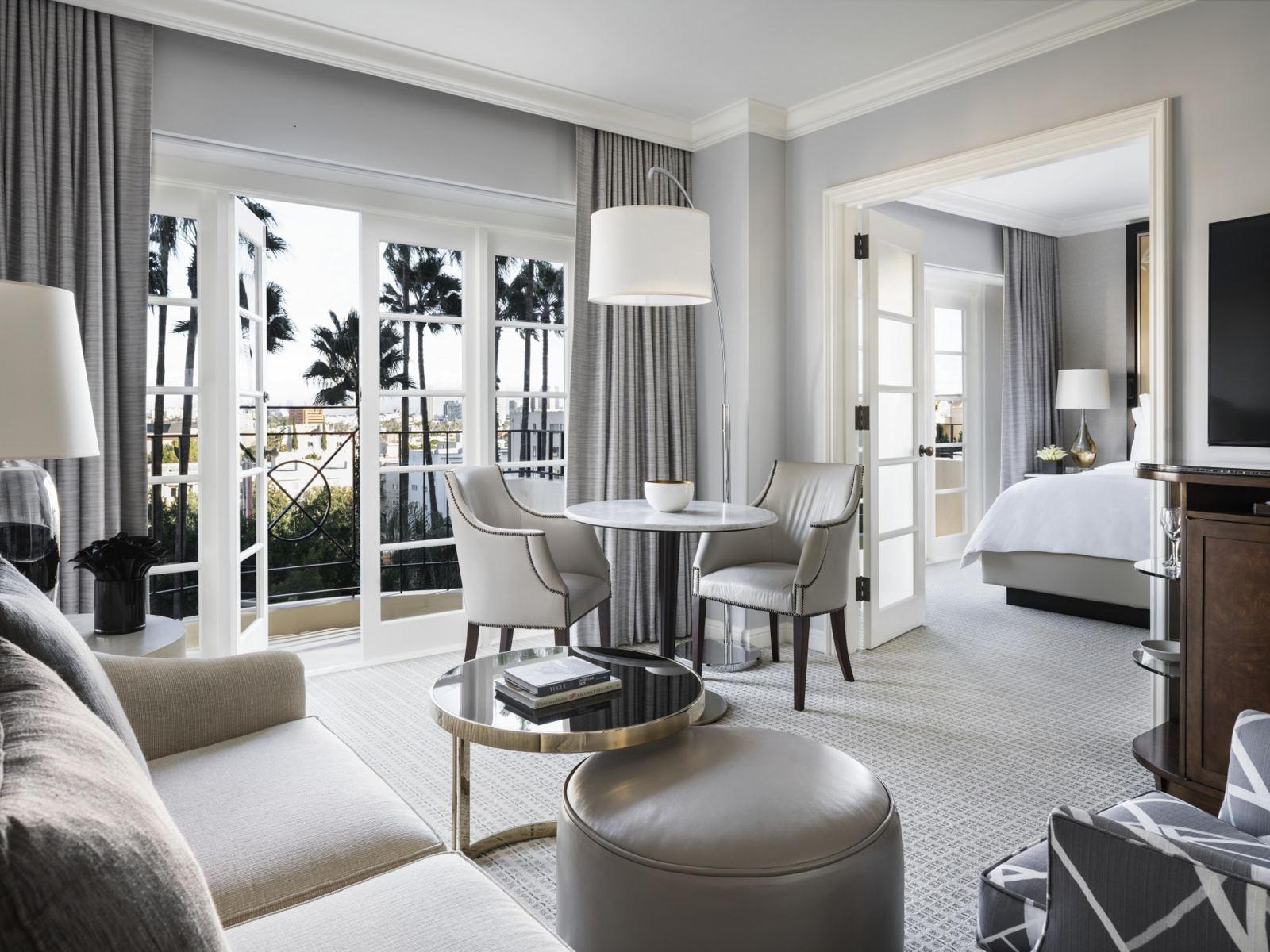 fs-la-bh-california-suite-living-room