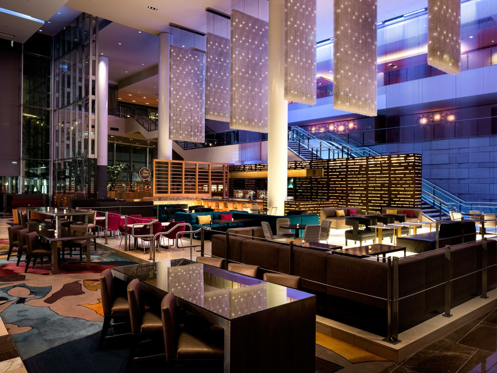 4000-JWLA-Glance-Lobby-Bar-High-Rez