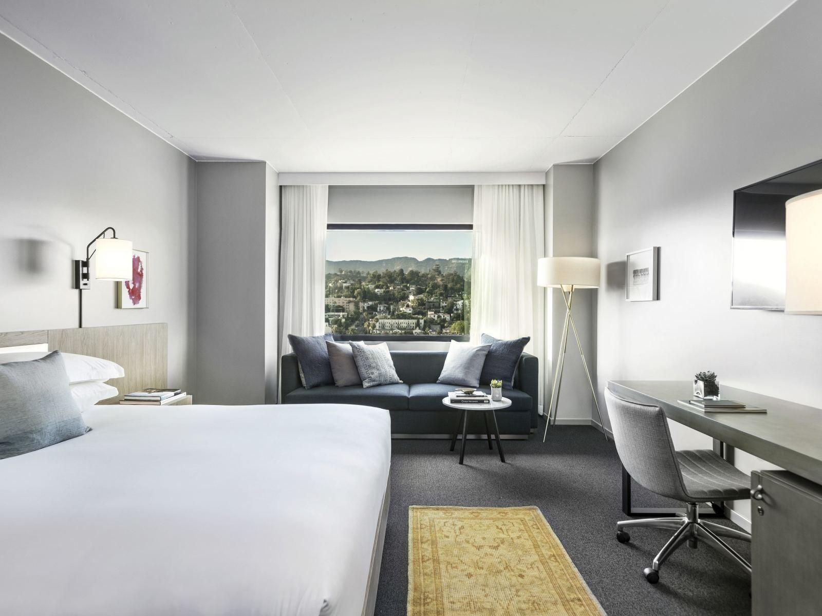 Hollywood-Hills-Room