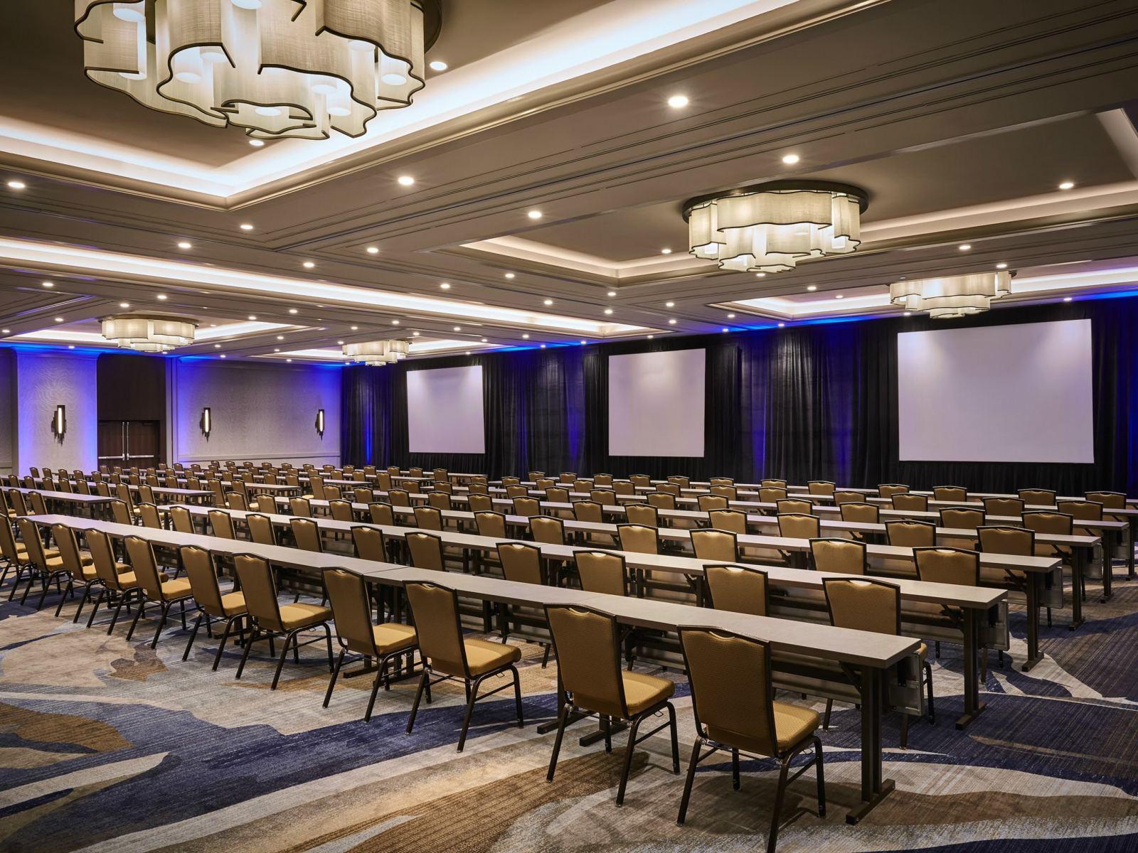 LAXMB---California-Ballroom2-Classroom-Setup-2016