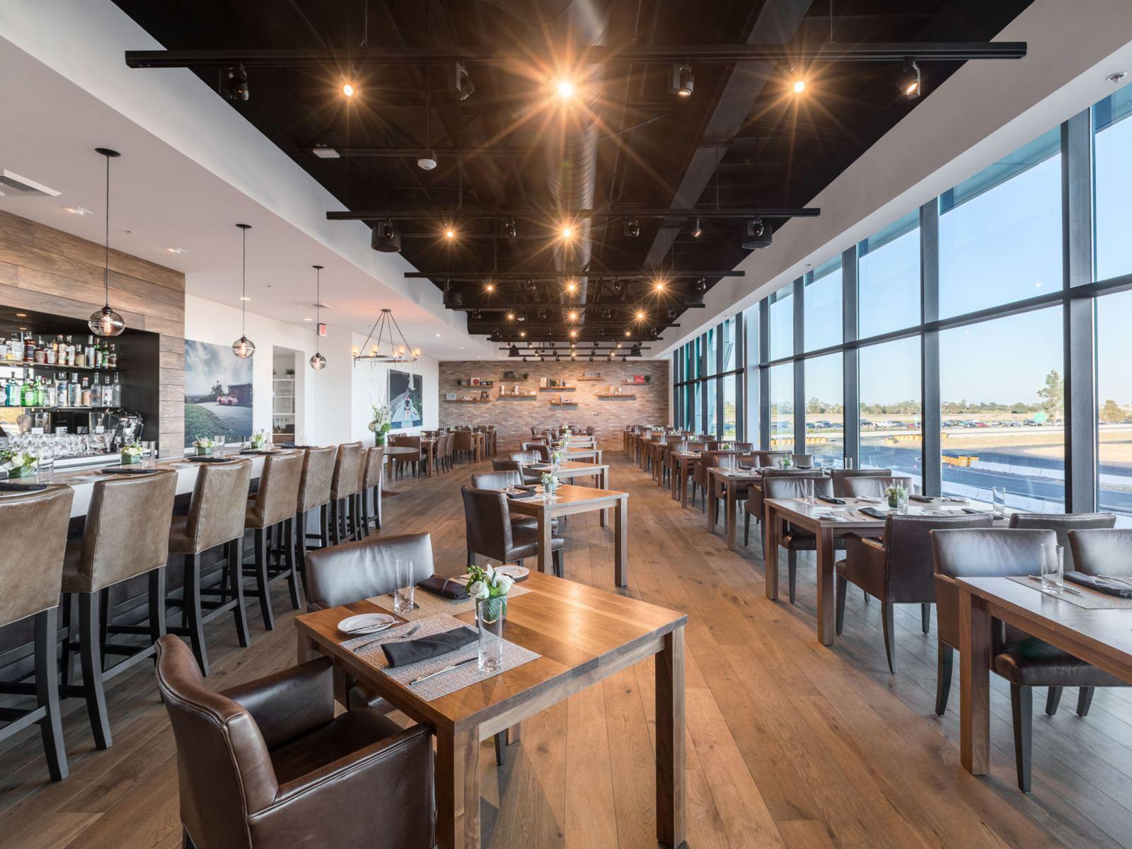 Resize-Restaurant-917-Dining-Room