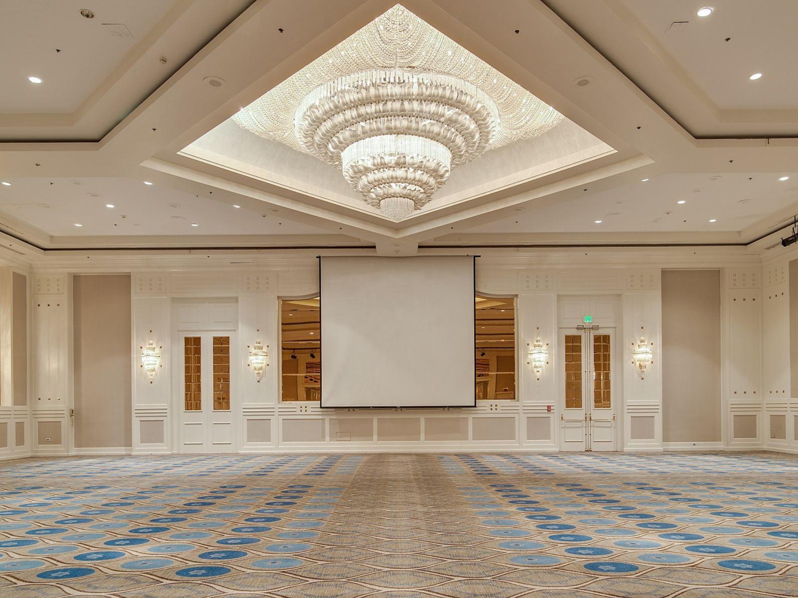 Grand-Ballroom