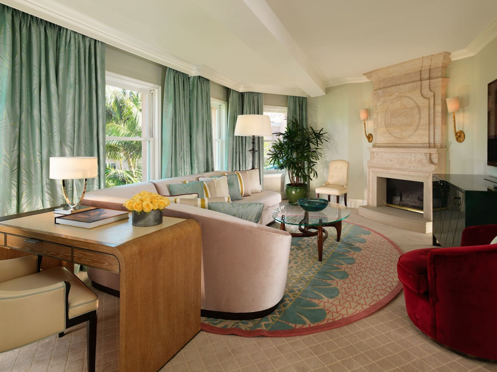 Beverly-Hills-Suite-Living-Room