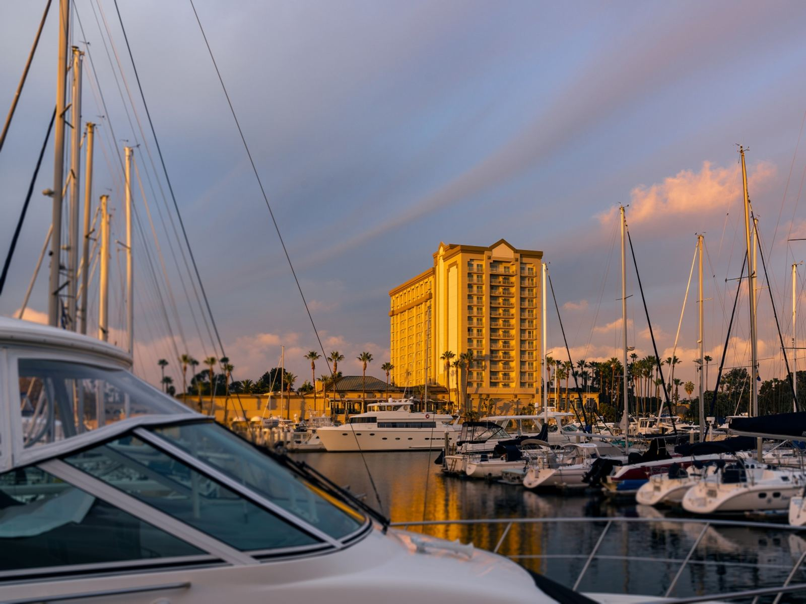 The Ritz-Carlton, Marina del Rey Exterior Marina View