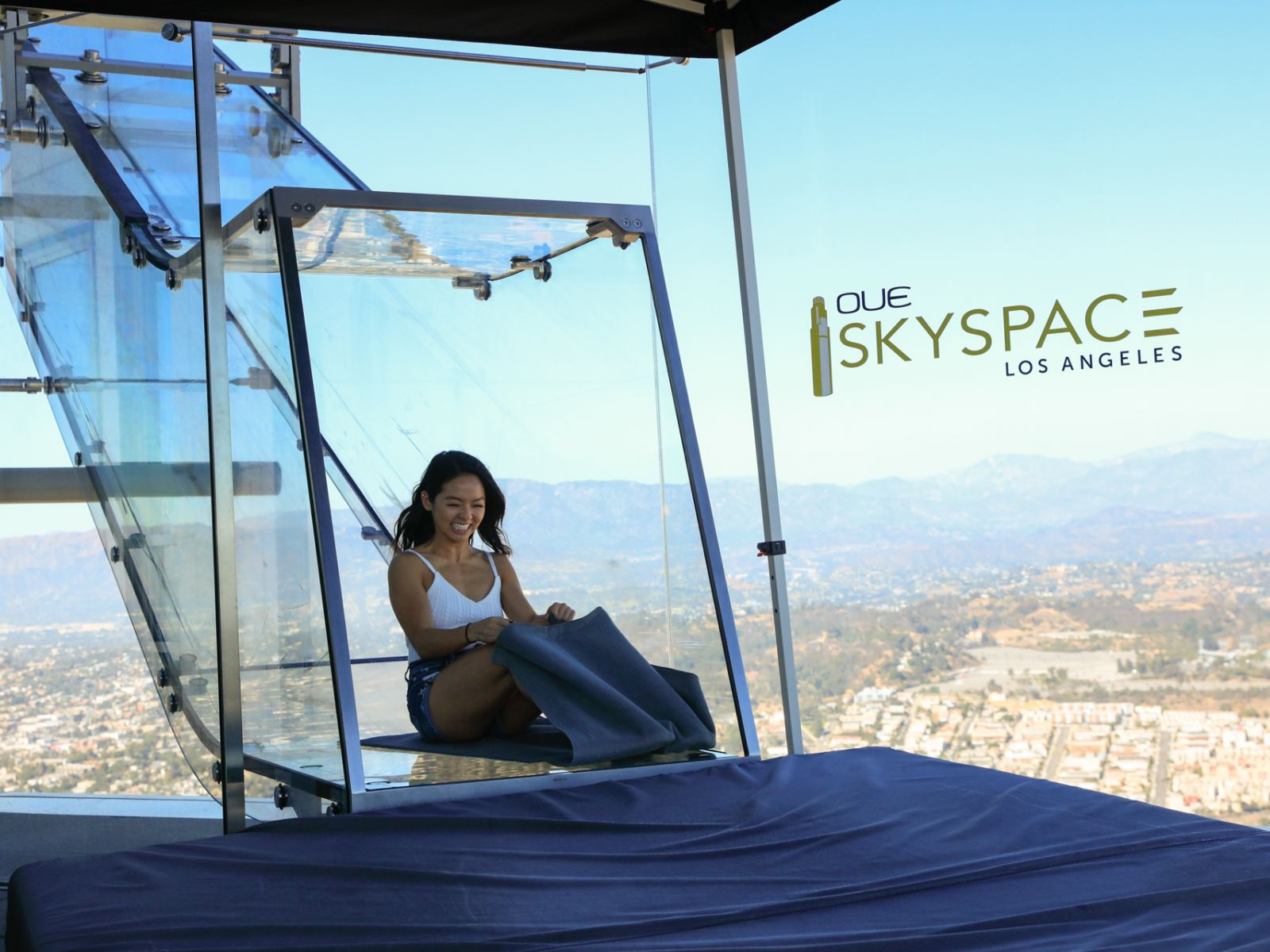 Experience The Skyslide At Oue Skyspace Los Angeles Discover Los