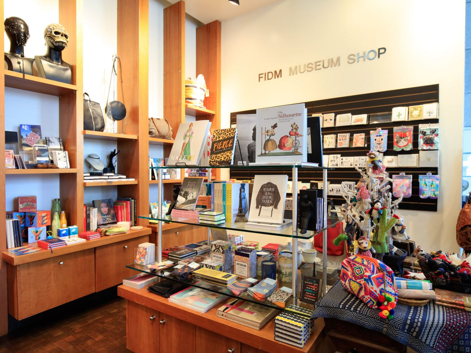 The Guide To Vintage Shopping In Los Angeles Discover Los Angeles
