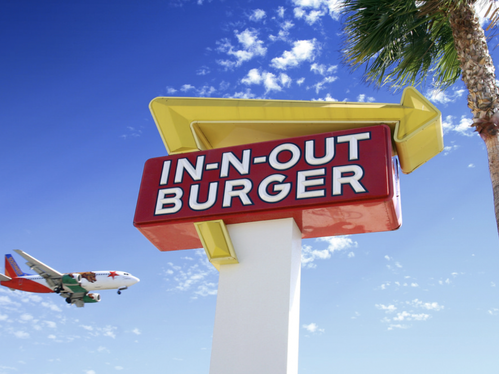 In-N-Out Burger near LAX   Photo courtesy of Karen Nicoletti, Flickr